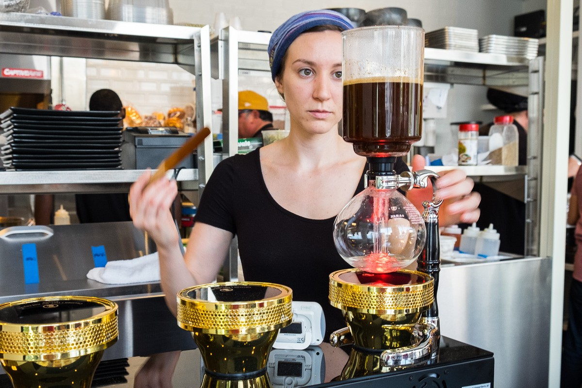 siphon coffee maker at Cavo