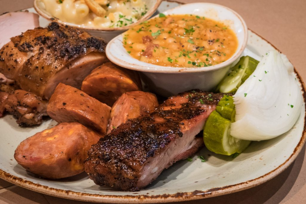 barbecue plate at Pappas Delta Blues