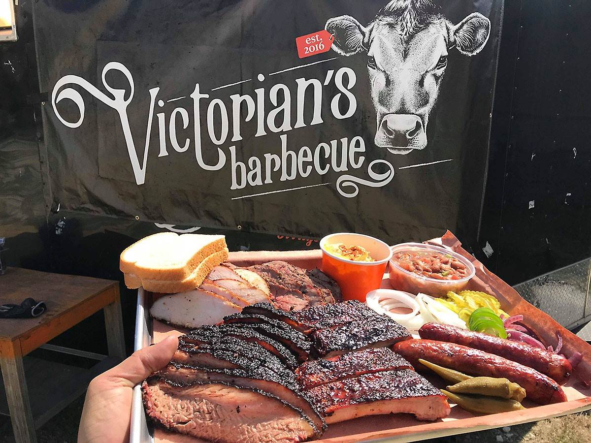 Victorian's Barbecue plater