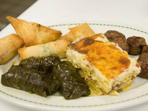 Picture of a dinner plate with pastichio.