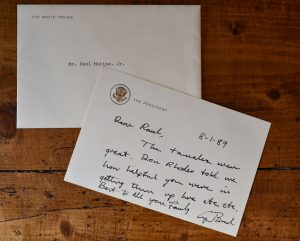 Picture of a thank you note to the Molina family handwritten by President Bush.