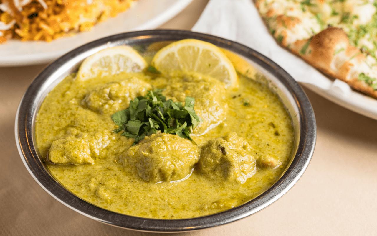 Bowl of Chicken Hara Masala at Himalaya Restaurant