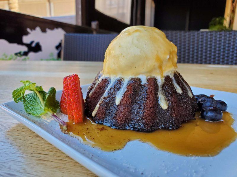 Sticky toffee dessert