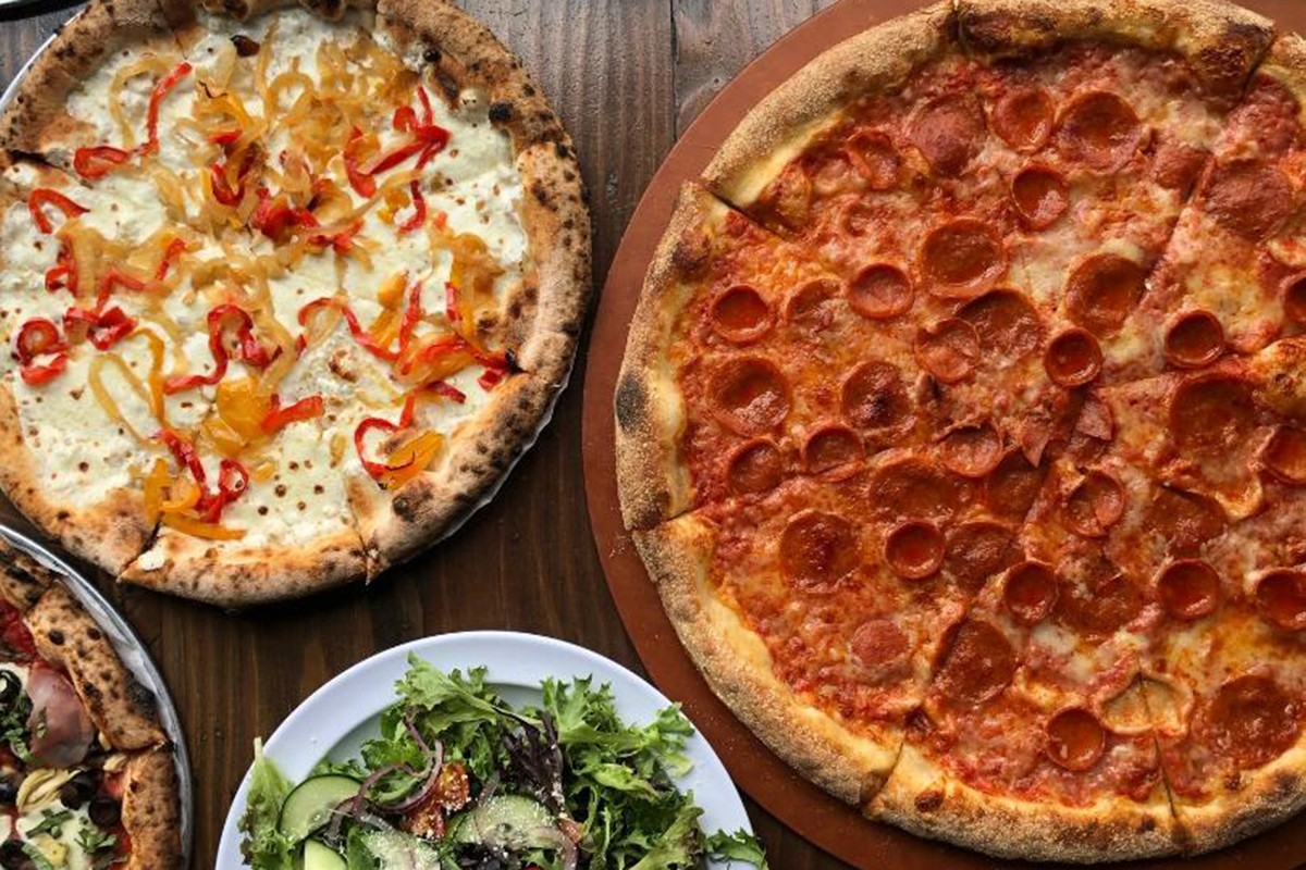 Neapolitan-style pizza and other dishes at Pizaro's