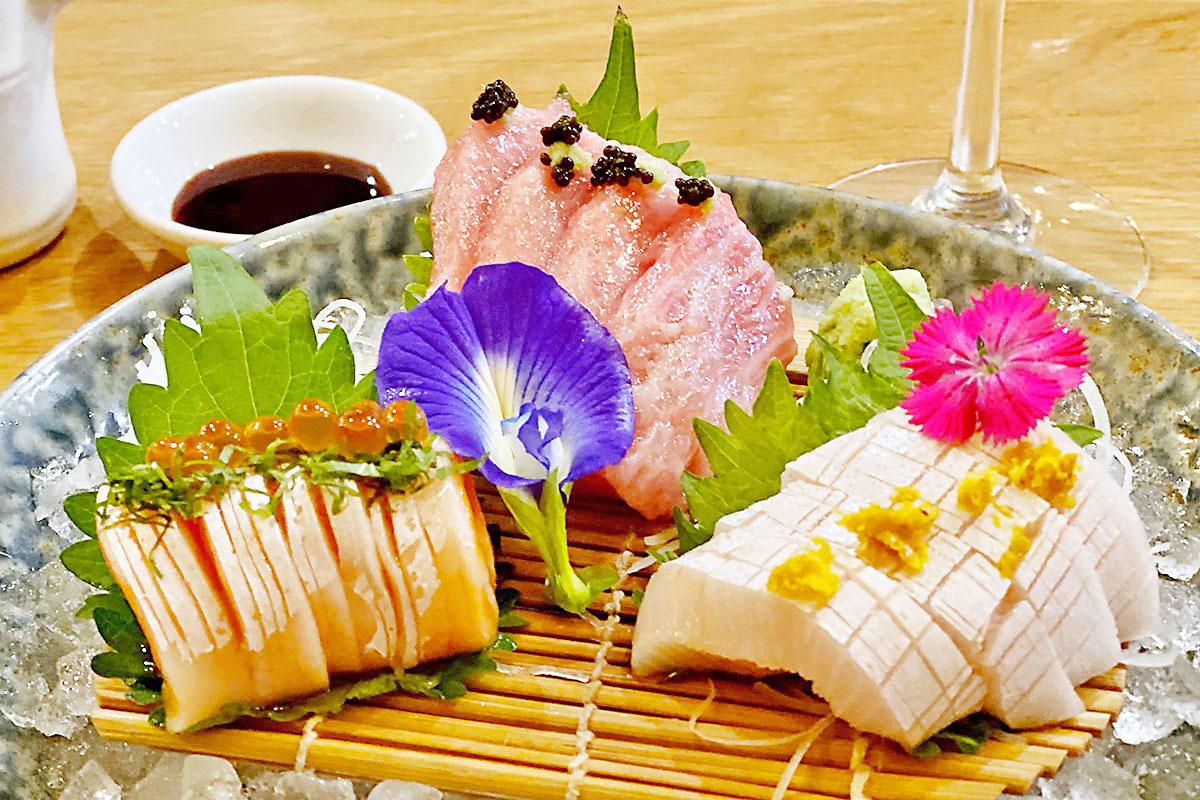 Tobiuo sashimi