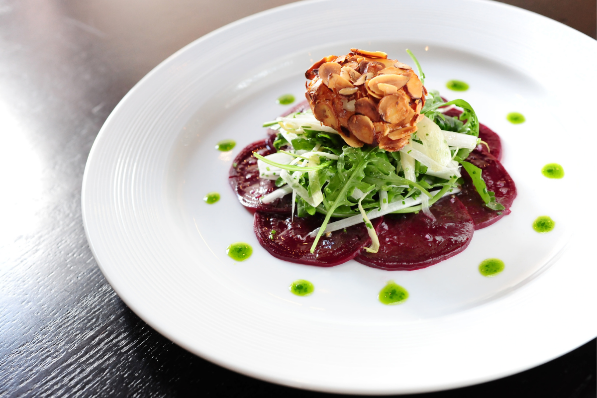 salad with goat cheese and beets