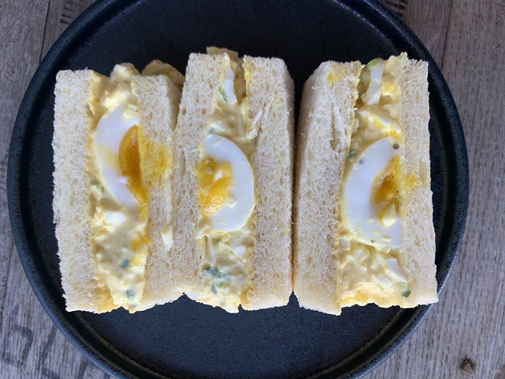 Photo of an egg salad sandwich