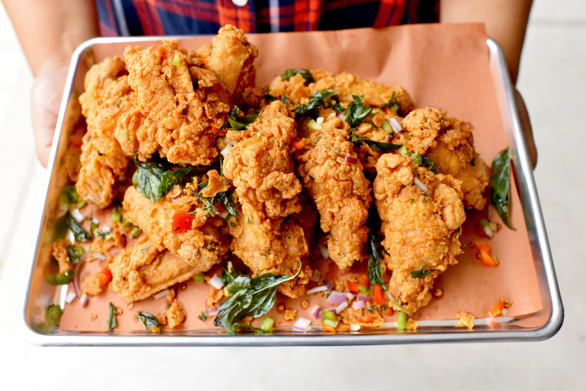 fried chicken wings with toppings