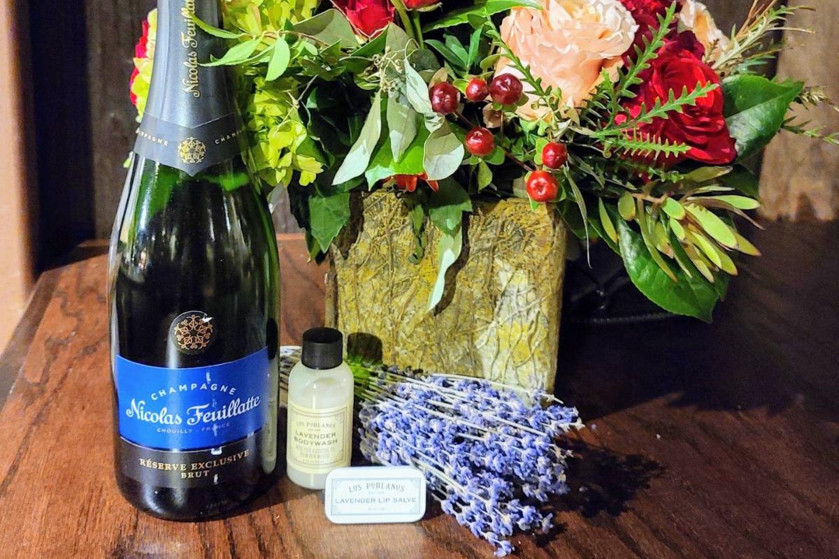 wine, flowers, lavender